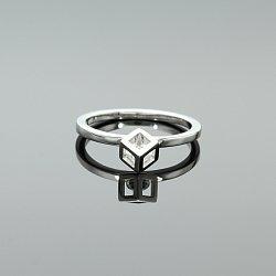 Pierścionek srebrny z cyrkonią